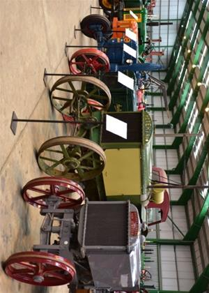 Classic Transport Collection: Vintage Tractors Online DVD Rental